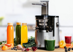 Create all kind of cold pressed fruit and vegetable juices.